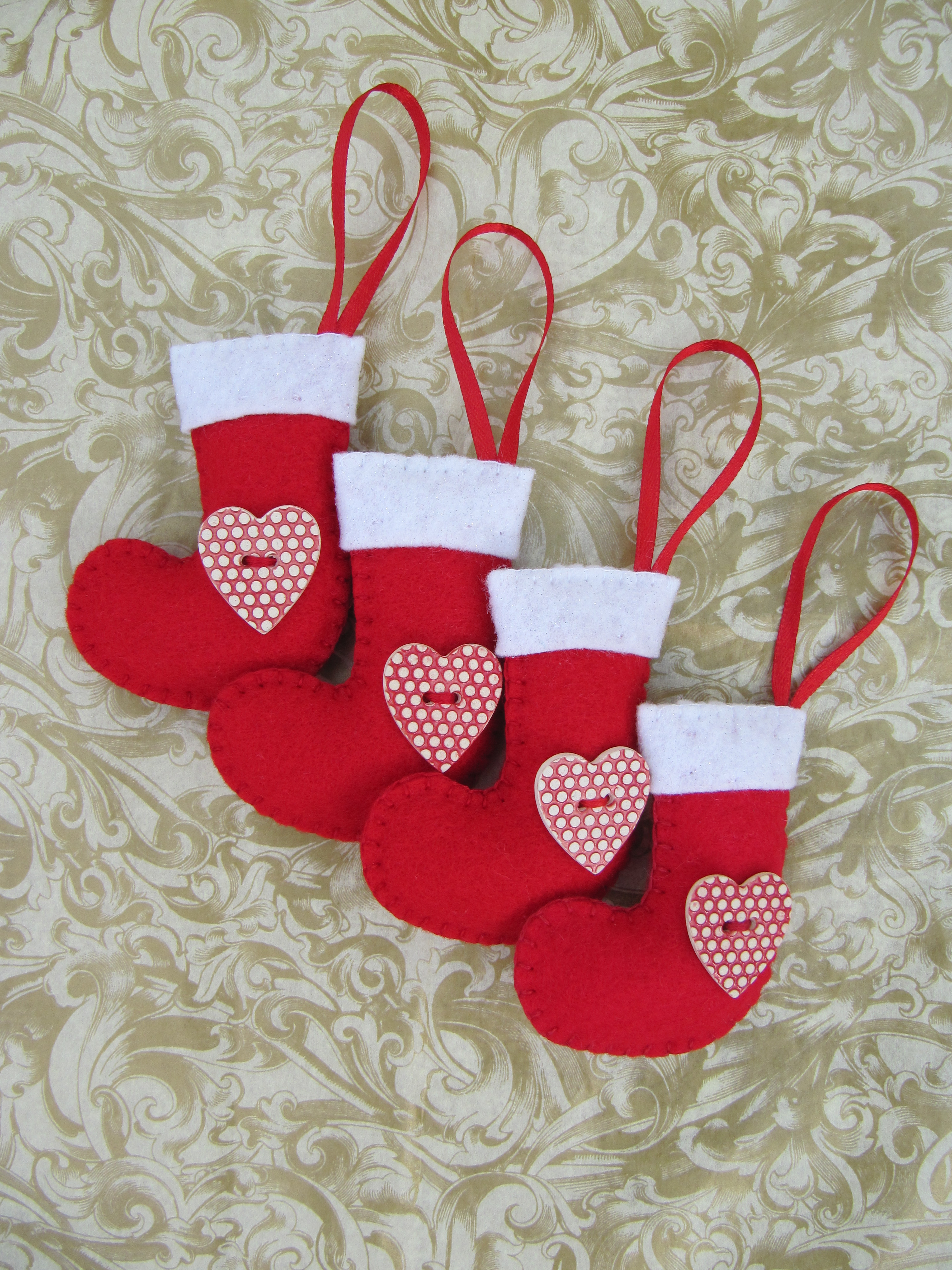 Hattifers hand sewn gifts felt christmas stockings red 2 for Crafty christmas gifts