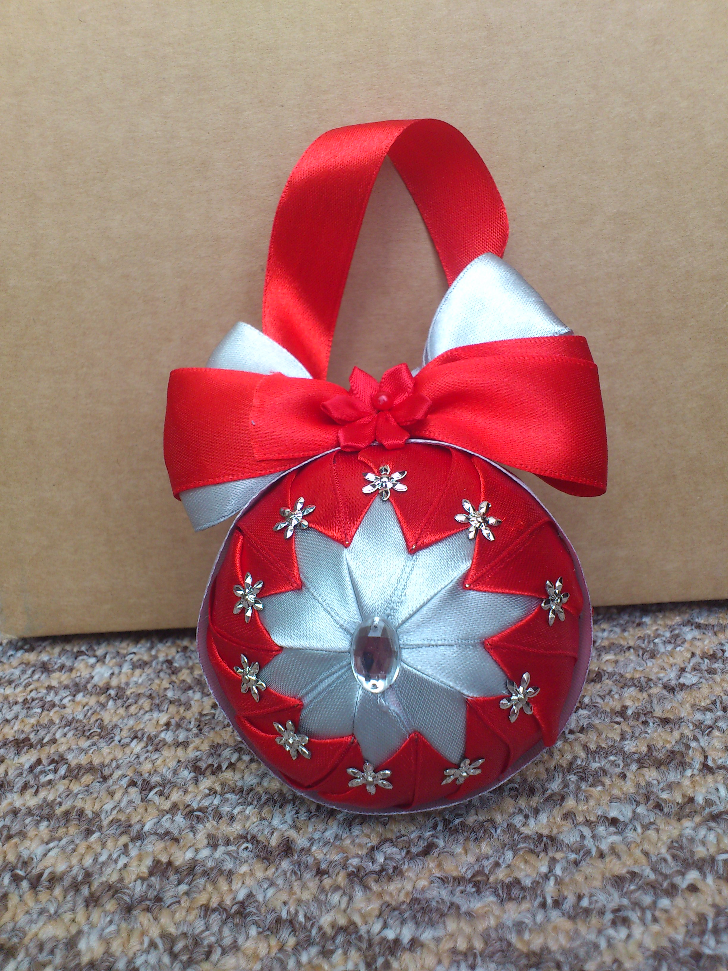Hcd005 christmas baubles red silver handmade christmas Handmade christmas items