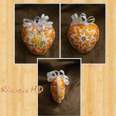 5. Ribbonlicious Handmade Decorations heartjpg