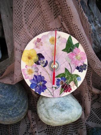 11. Mr Clock It logo summer bouquet clock