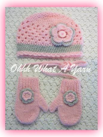 14. Ohhh What a Yarn baby girls cloche hat and mitts