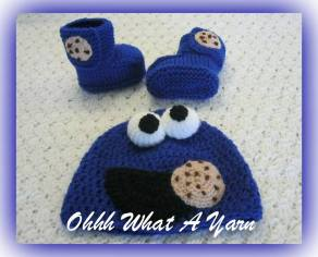 14. Ohhh What a Yarn muncher hat and bootees