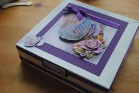 5. Kute Cards gift box